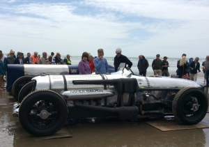 1933 Napier Railton Special which holds the all time lap record of 143.44 mph at Brooklands also had a run along the sand...terrific!